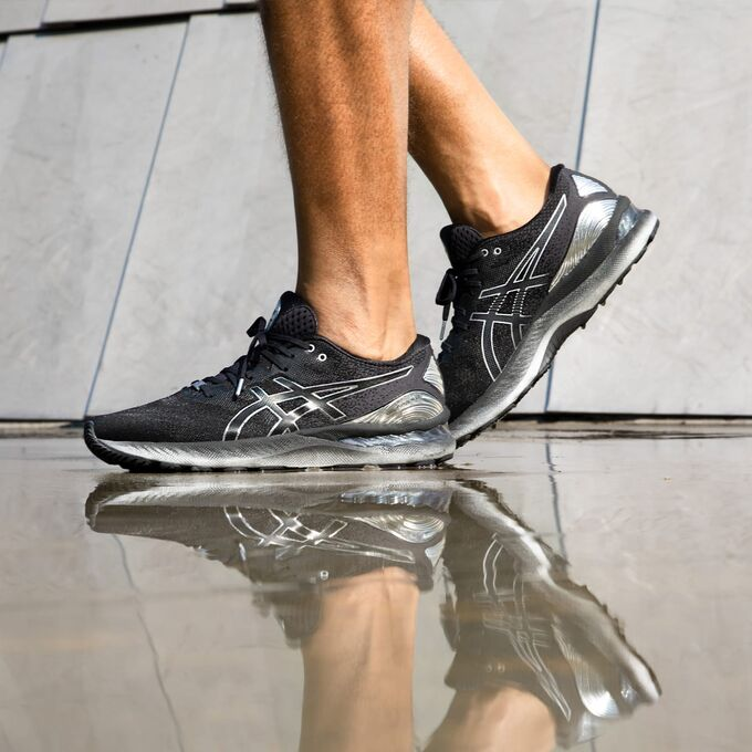 Фото 8 - Мужские кроссовки ASICS Gel-Nimbus 23 Platinum, Цвет: 001 - Black/Pure Silver